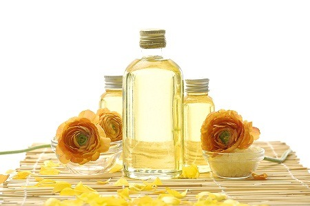 Image of coconut oil used in spa treatments for skin health