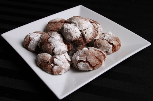 gluten_free_chocolate_crinkles_cookies_recipe_photo