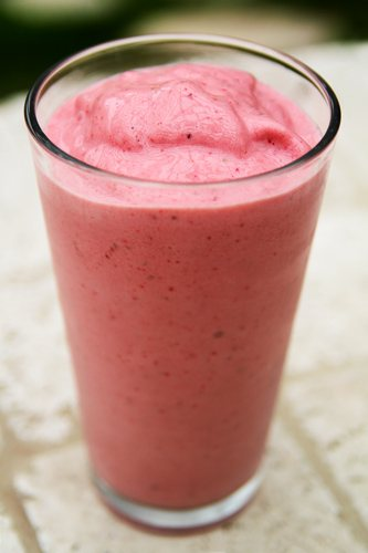 Strawberry_Vanilla_Coconut_Smoothie_recipe_photo